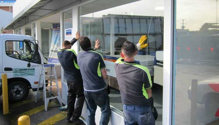 Glass Repair and Replacement Service in Brisbane