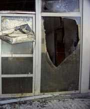 shop front emergency glass repair