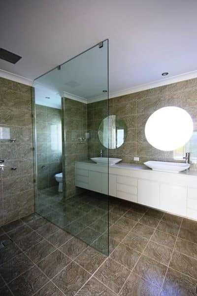 glass frameless shower screen